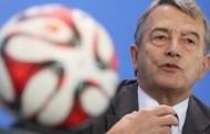 رئيس الاتحاد الألماني يُهاجم بلاتر ويدعوه للاستقالة