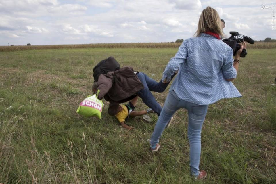 فصل الصحافية الهنغارية التي اعترضت الرجل السوري و ابنه وأوقعته أرضاً
